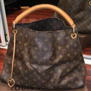 LOUIS VUITTON 100% Authentic Artsy MM Monogram Bag